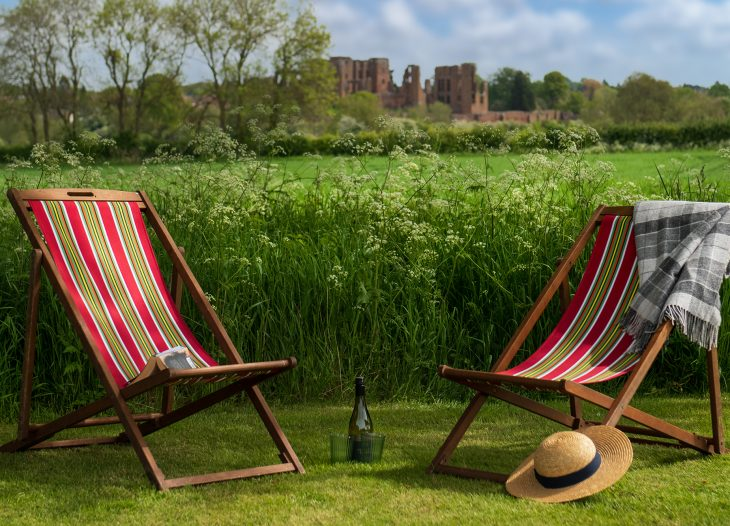 Deck chairs at Grounds Farm shepherds hut