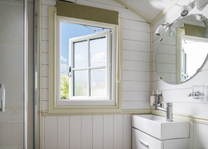 Shepherds Hut Shower Room